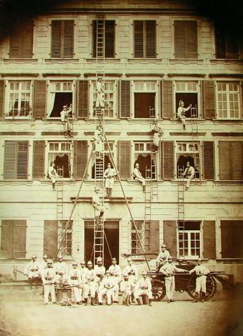Feuerwehr Trogen vor dem Rathaus am 21.08.1885